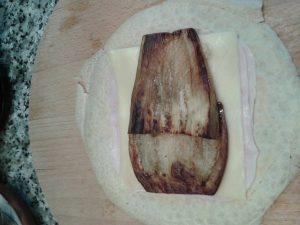 Crepes rellenos de berenjena / queso y pavo