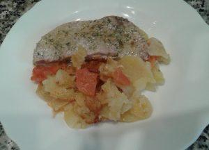 Filetes de atún con patatas al horno