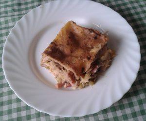 Lasaña de pollo, puerros y champiñones
