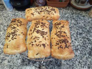 Napolitanas rellenas de chocolate de almendras o avellanas