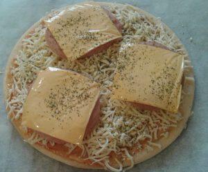 Pizza de hamburguesas 4 salsa