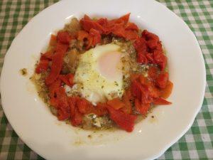 Patatas estilo Aragón con huevo
