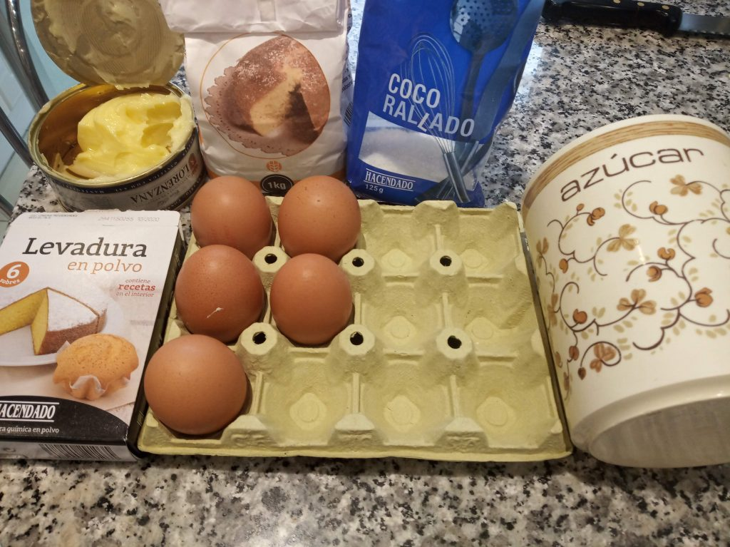 Bizcocho de mantequilla y coco