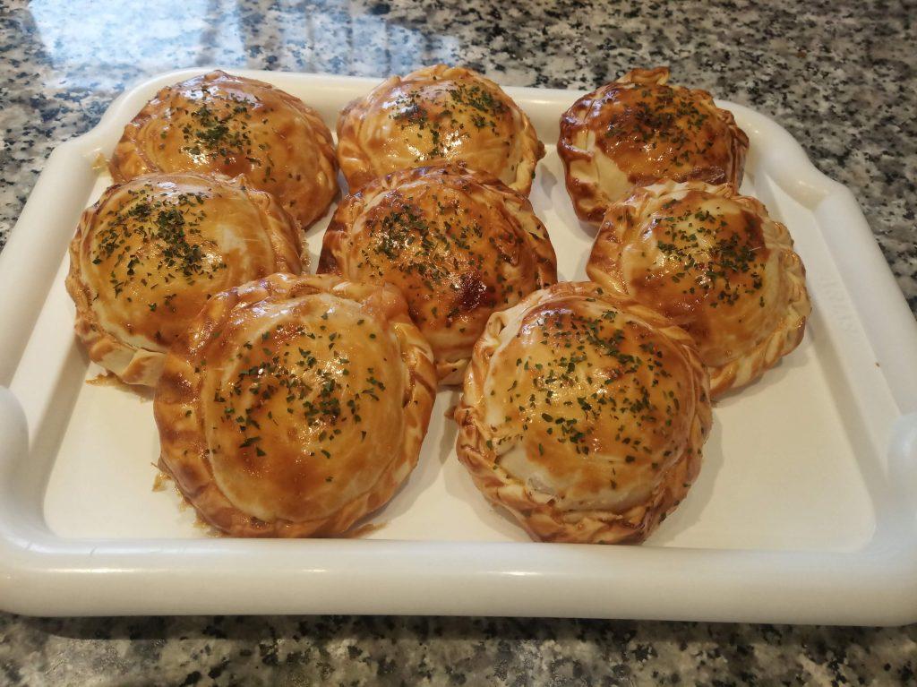 Empanadillas de hamburguesas mini de pollo