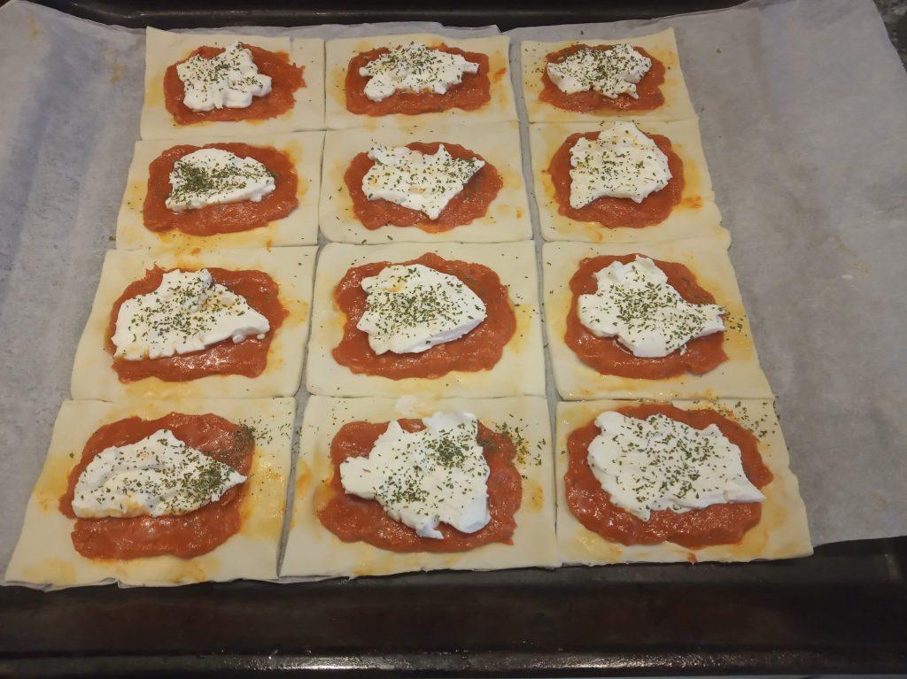 Hojaldres de sobrasada y queso de untar