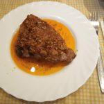 Costillar de churrasco de cerdo marinado y horneado